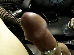 carmen cumming in garage