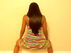 BEST TWERK THAT LEAVES EVERYTHING TO YOUR IMAGINATION