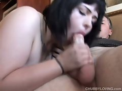 Voluptuous brunette gives a good sloppy blowjob