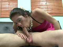 Brunette tranny sucks on some nice hot cock