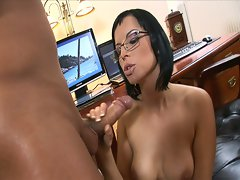 Hot brunette babe fucks hard by the mighty dude