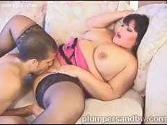 Big boobies chubby brunette kelly fucks like the horny bbw she is