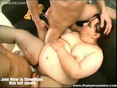 Bbw timy cat in fishnets hot threesome