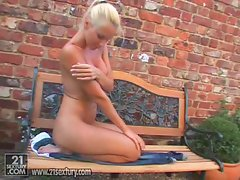 Vega Vixen rubs her sweet wet pussy outdoors