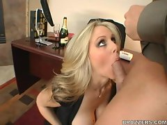 Sweet milf Julia Ann loves devouring a sweet shaved pussy