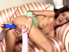 Christina Bella and Leanna Sweet dildo dipping action