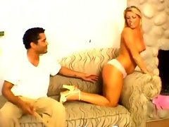 Couple amateurs into spanking