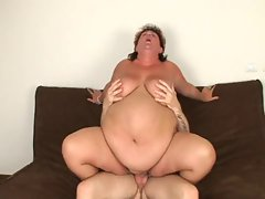 VERY BEAUTIFUL SSBBW     COMMENTS:)