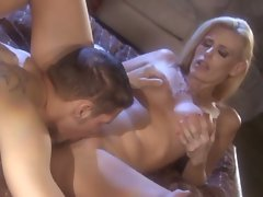 Darryl Hanah gets a large man pole stuffed in her cute little snatch