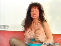 Gorgeous mega boobed mature slut gets