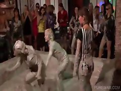 WAM lesbos fighting in mud at a sexparty