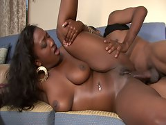 Fat assed ebony milf slammed by black meat