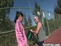 Young slut Elli Foxx takes on old tennis coach