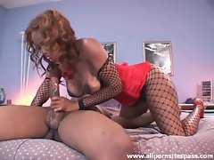 Ebony minx with thick round ass getting taken from behind