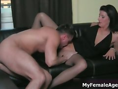 Sensual cougar boss in lewd stockings gets part4